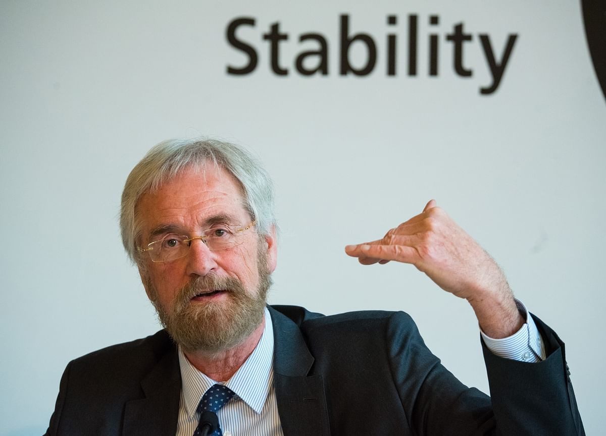 ECB Is Down One Deflation-Fighting Revolutionary as Praet Leaves