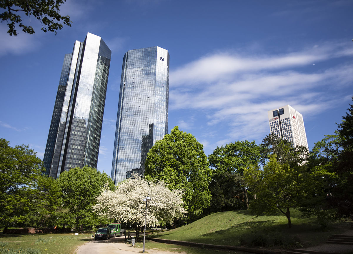 German Banks May Face $695 Million Hit on Dividend Tax Loophole