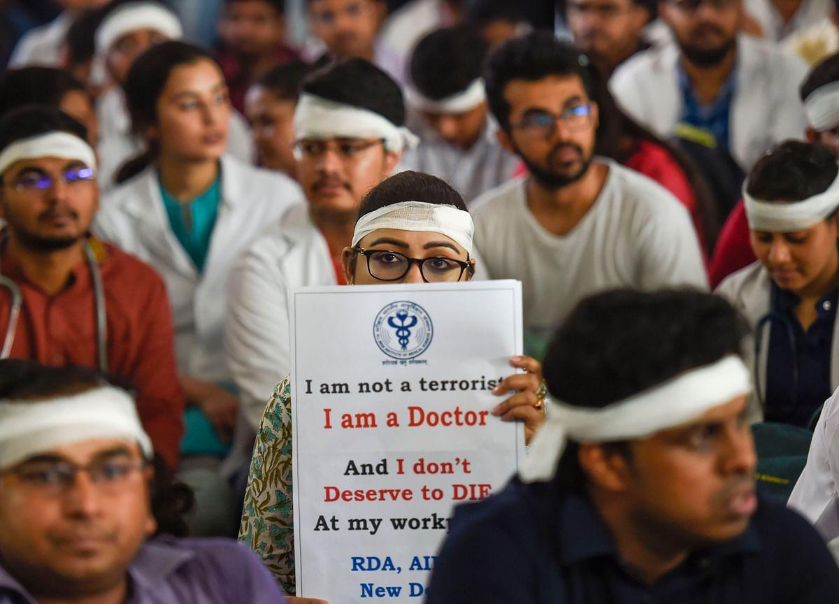 AIIMS Doctors Give 48-Hour Ultimatum To Mamata Banerjee
