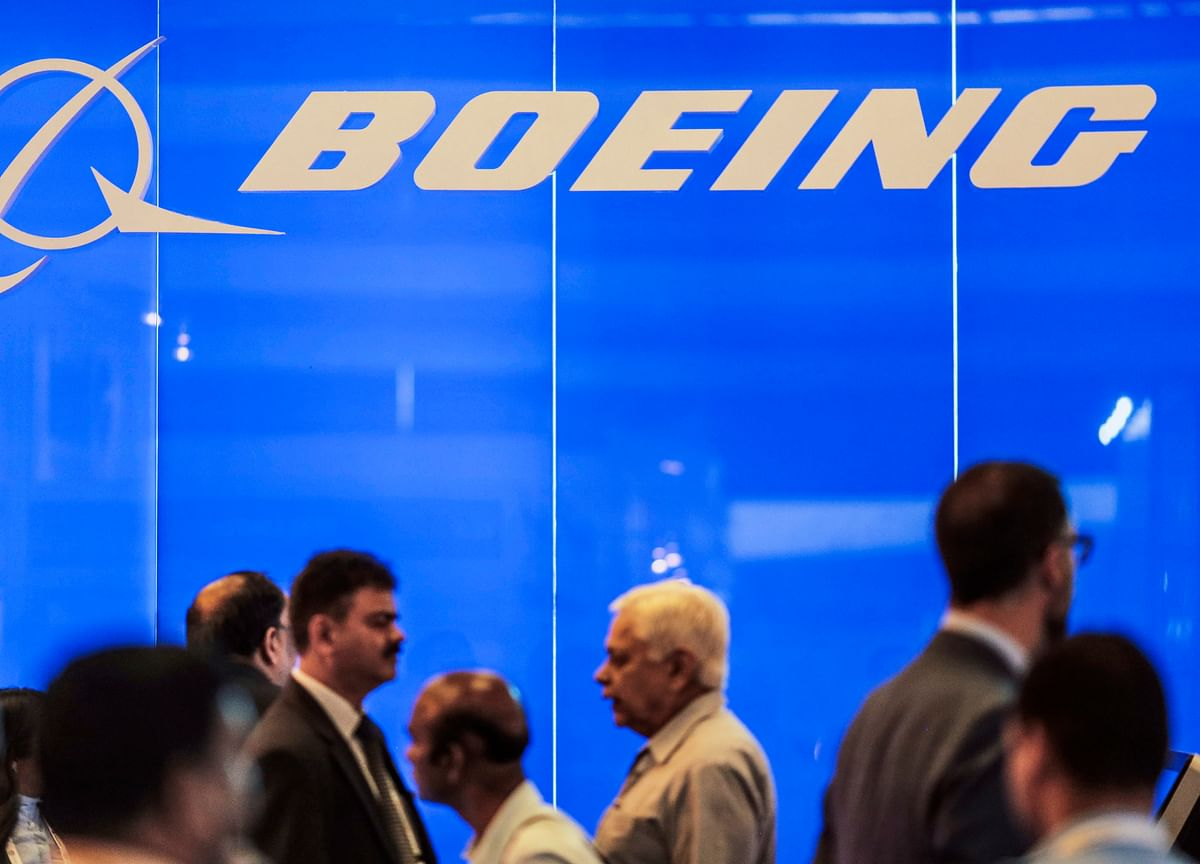 American Airlines Pilots Appeal to Boeing CEO for Max Simulator Time