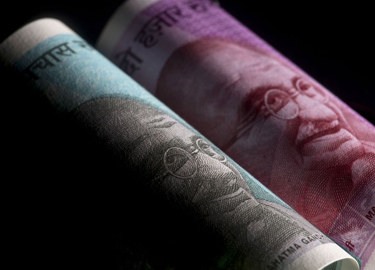 Rate-Hike Bets Unwind in India's Bond Markets With Virus Surge