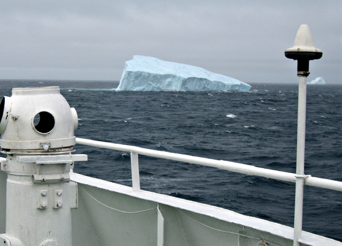 Towing an Iceberg: One Captain's Plan to Bring Drinking Water to 4 Million People
