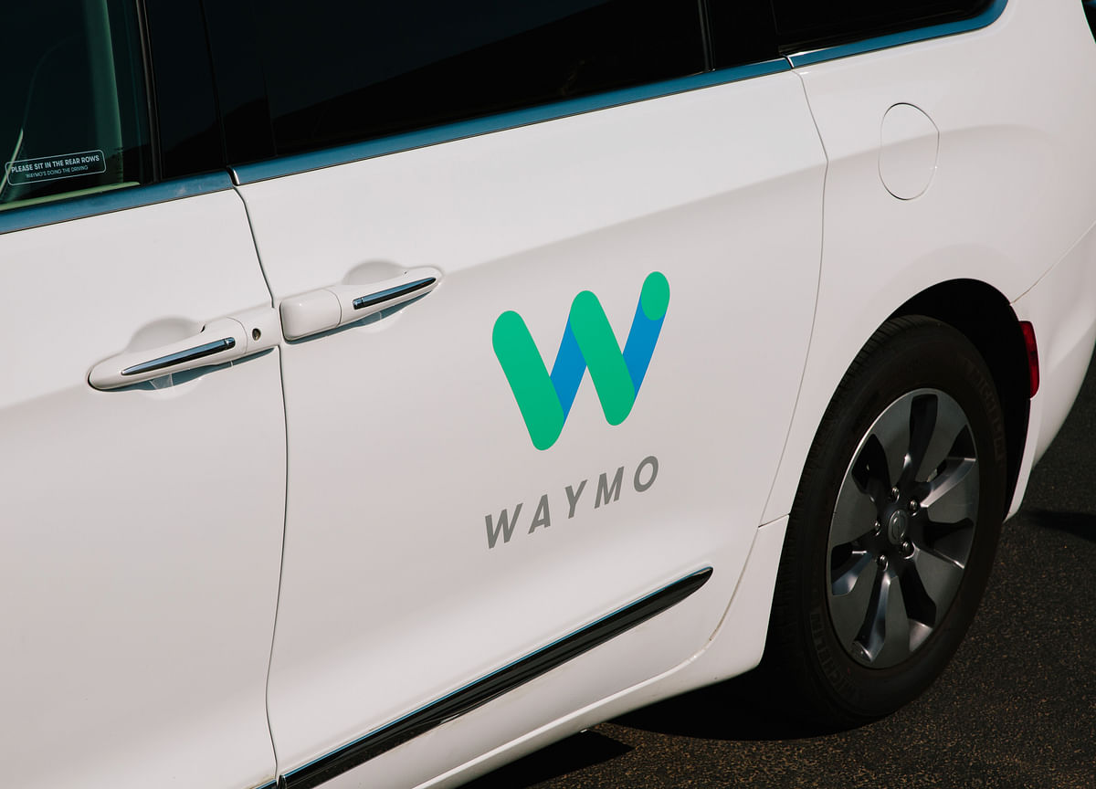 Waymo to Study Driverless Services With Renault-Nissan Alliance