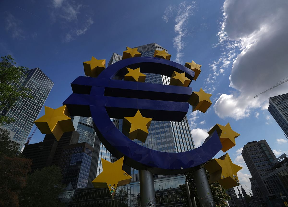 ECB Set to Signal Rate Cut as Economy Slows: Decision Day Guide