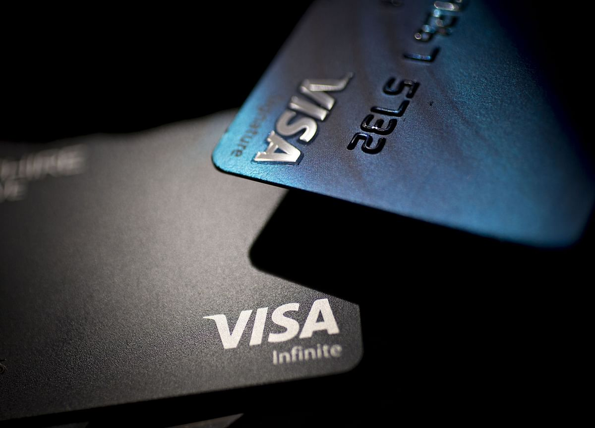 Visa Gets Boost From Non-U.S. Consumers as Spending Misses