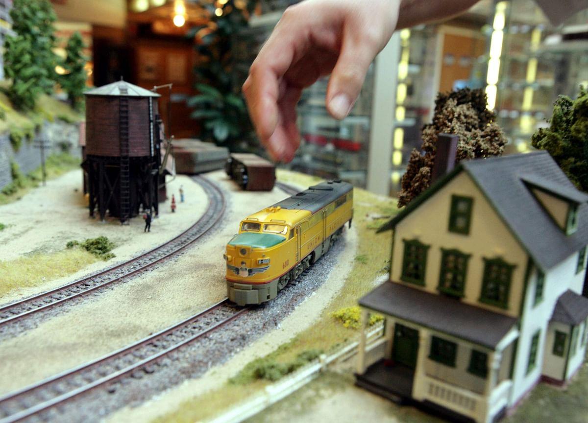 Chinese Engineer Accused of Stealing U.S. Train Maker's Secrets