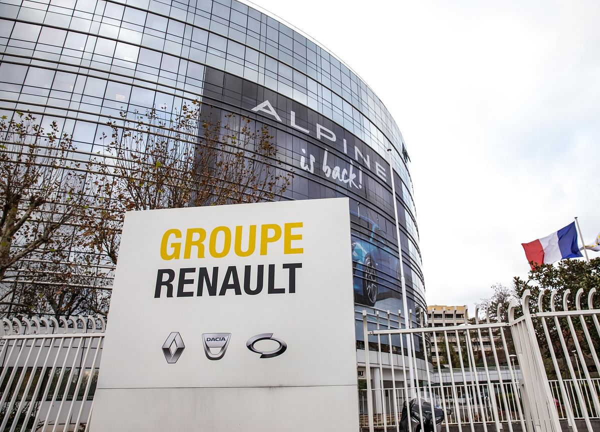 French Police Search Renault as Part of Ghosn Investigation