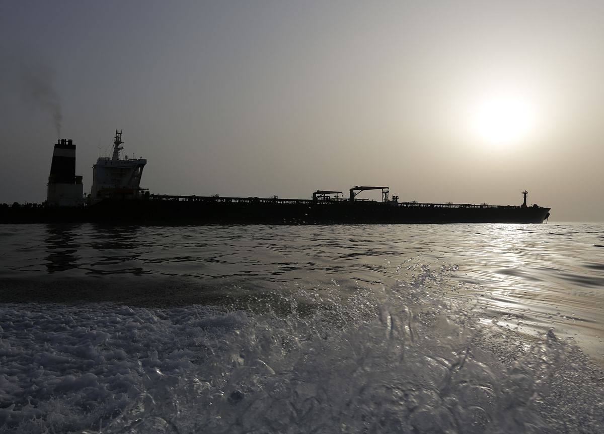 What It's Like to Steera Giant Tanker Through the Strait of Hormuz