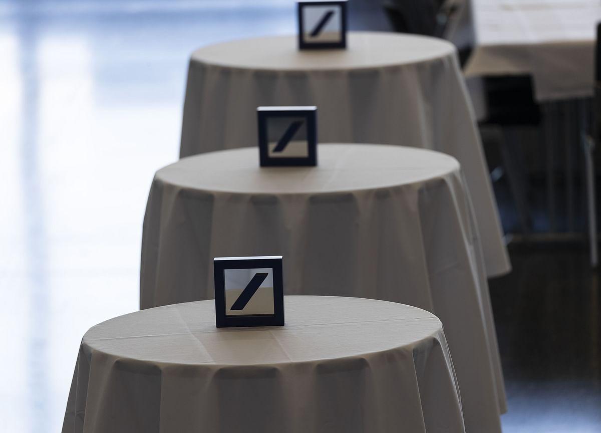 Deutsche Bank Discusses Lower Capital Buffer With Regulators