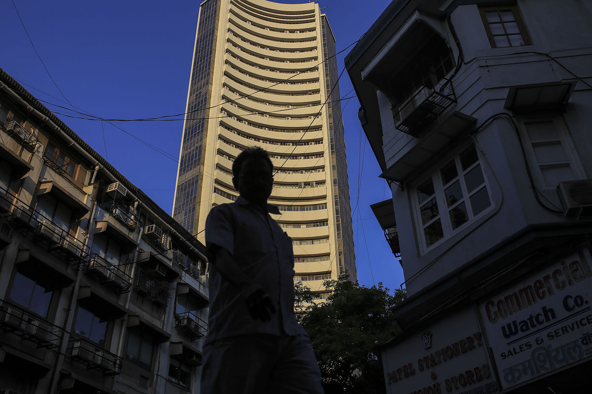Nine Of Top-10 Firms Lose Rs 88,609 Crore In Market Valuation