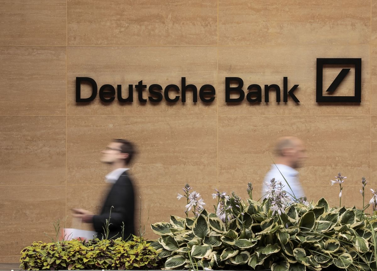 Deutsche Bank's Cuts Complicate Steps to Expand Asia Clout