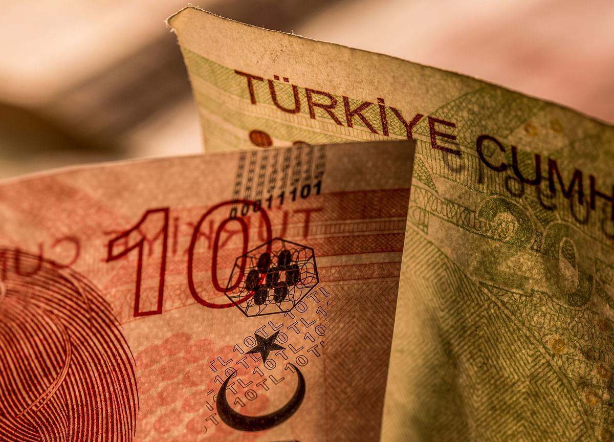 Turkish Markets Slide as Agbal's Exit Stokes Lira Turmoil