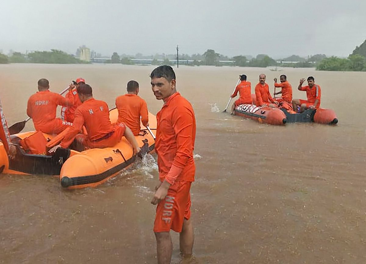 India Deploys Military to Rescue 700 From Flood-Hit Train