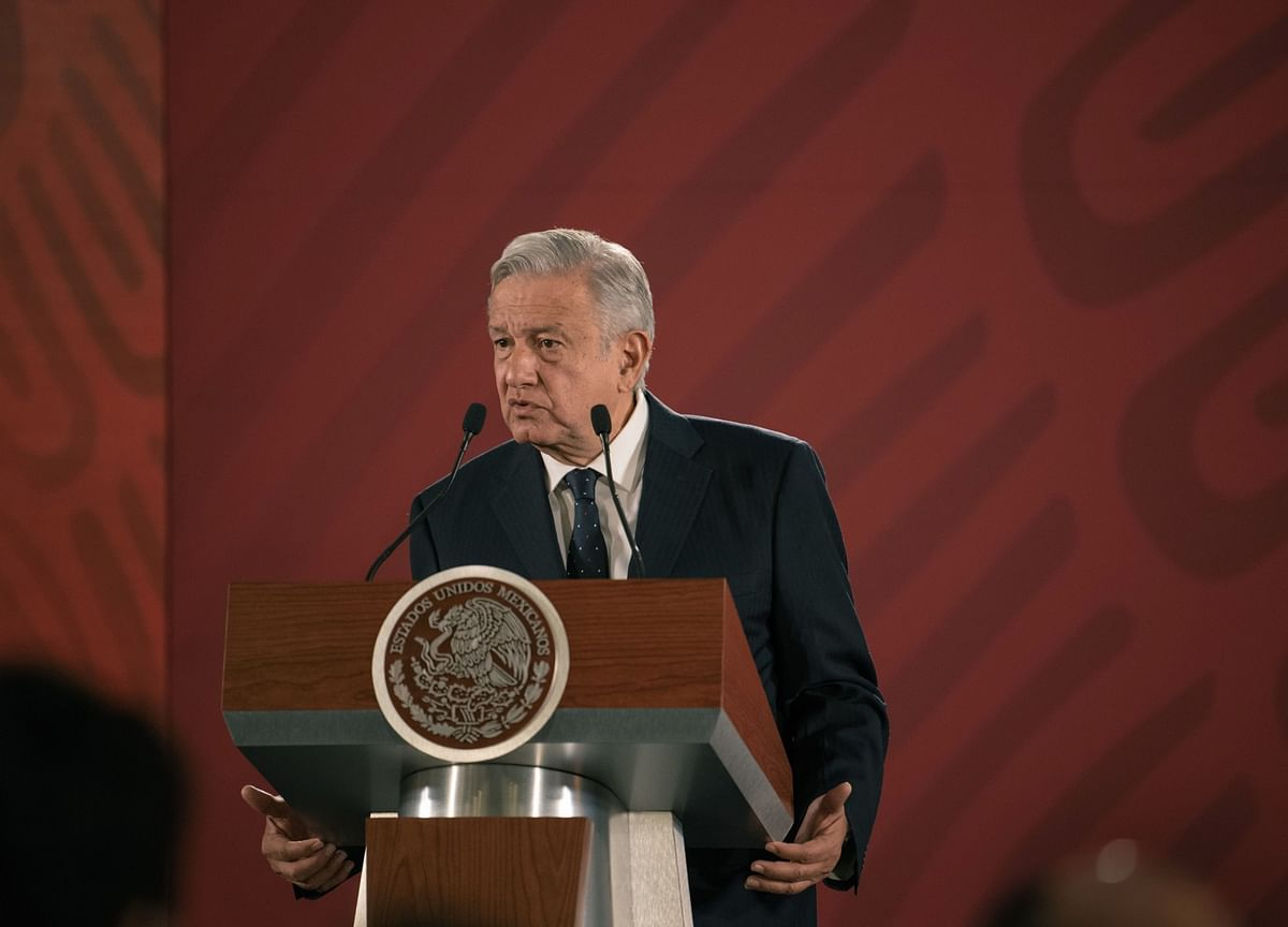 AMLO Says He'd Like Mexico to Cut Interest Rates to Boost Growth