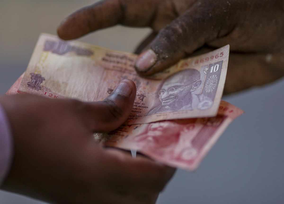 Surge in Rupee Costs Risks Slowing Record Indian Fundraising
