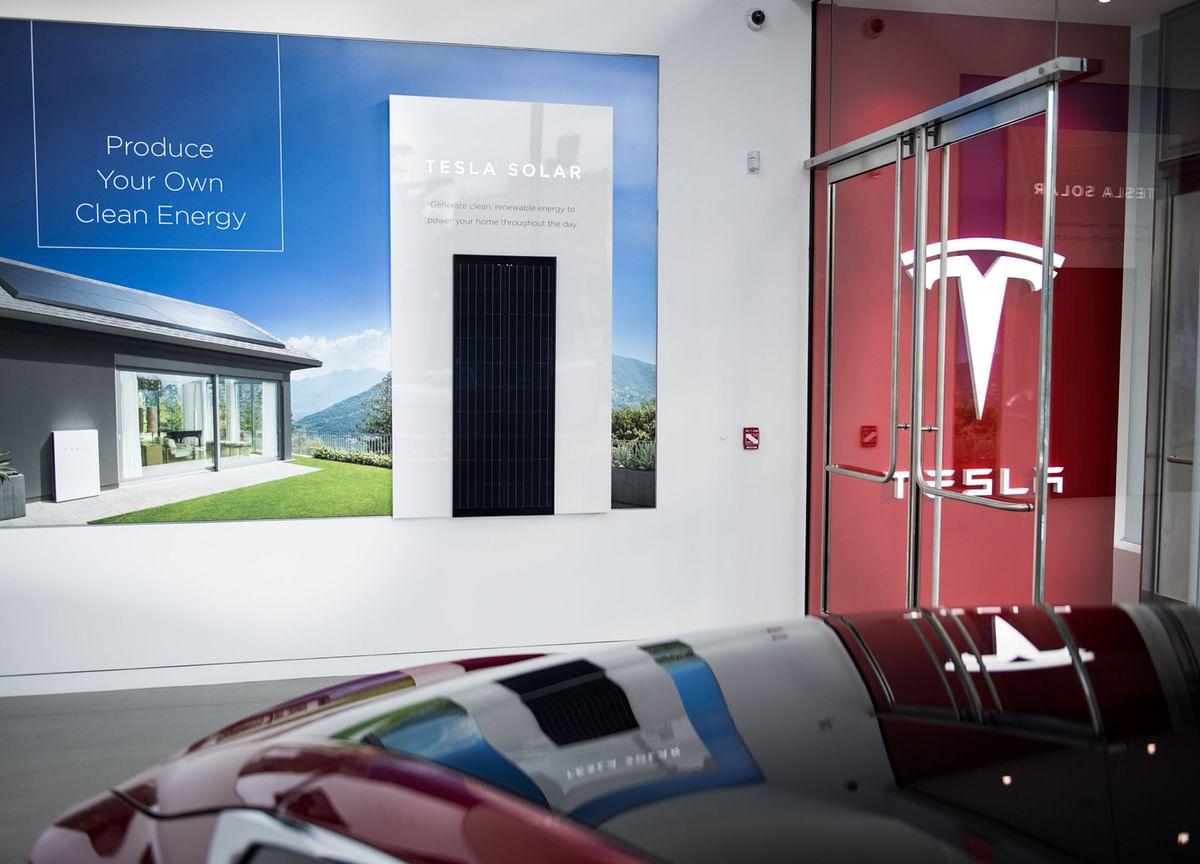 Tesla's Solar Sales Slip as Comeback Eludes Former Rooftop King