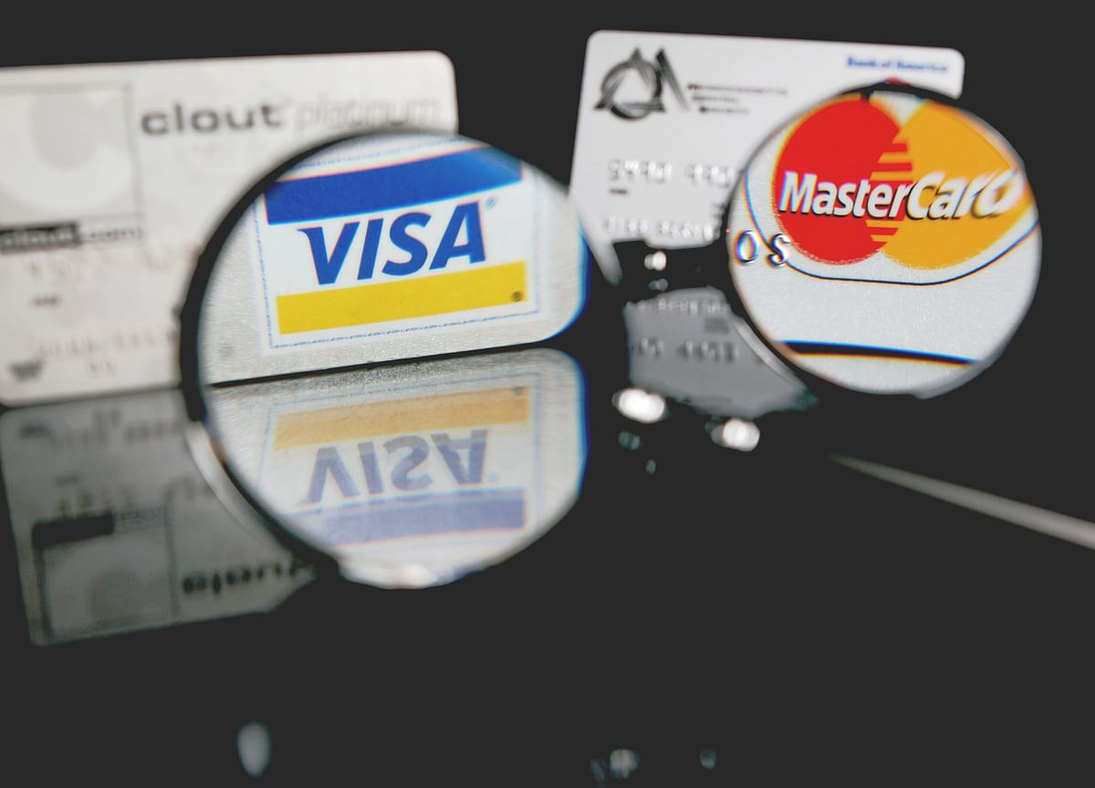 BQ Big Decisions: Should You Get A Credit Card, And What's The Best Way To Use It?