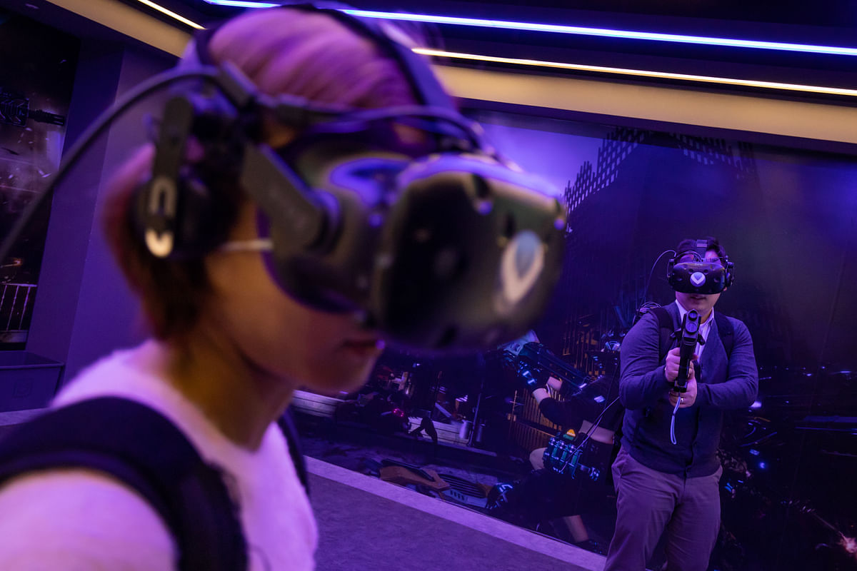 James Murdoch Makes Largest Deal Yet With Bet on Virtual Reality