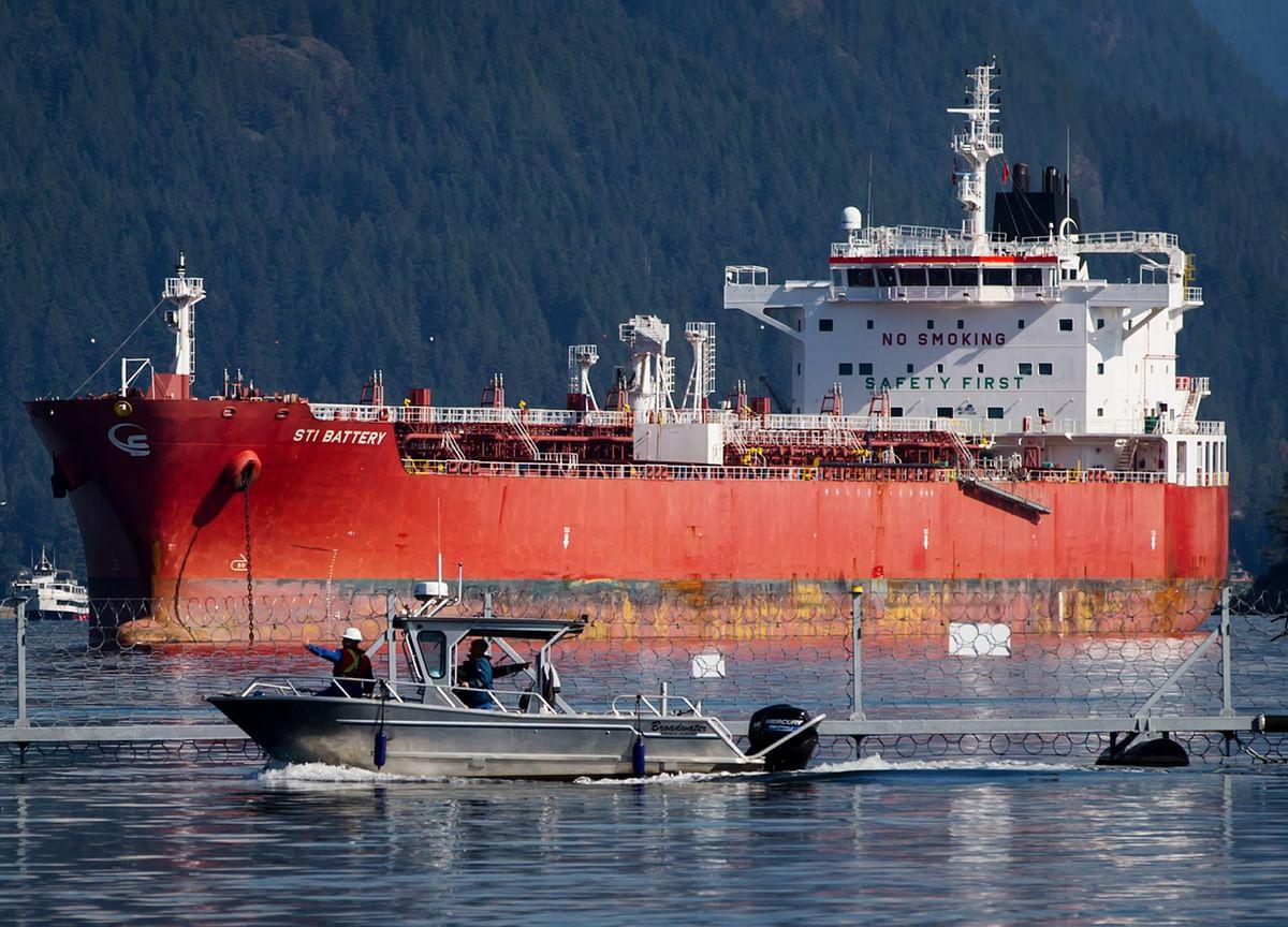 British Oil Tanker Exits Persian Gulf Amid Iranian Threats