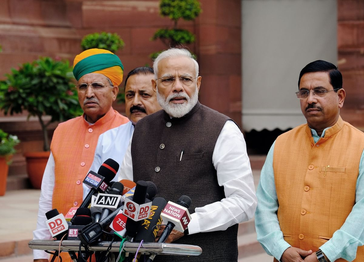 Modi Has Limited Options to Boost Economy in Locked Down Kashmir