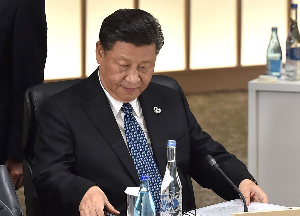 Trump Panics, Rushes Into Xi's Arms