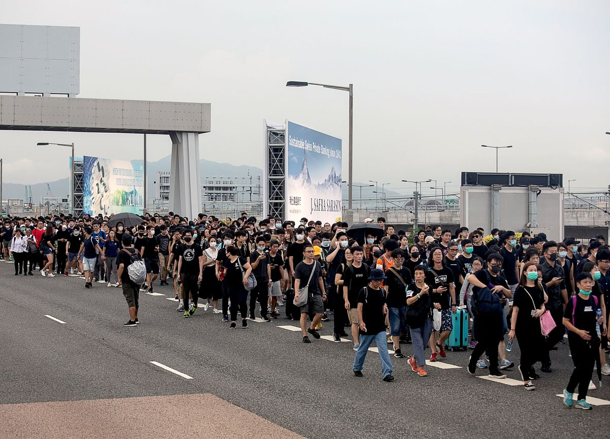 Hong Kong Protests Go Global, Roiling China's Fractured Diaspora