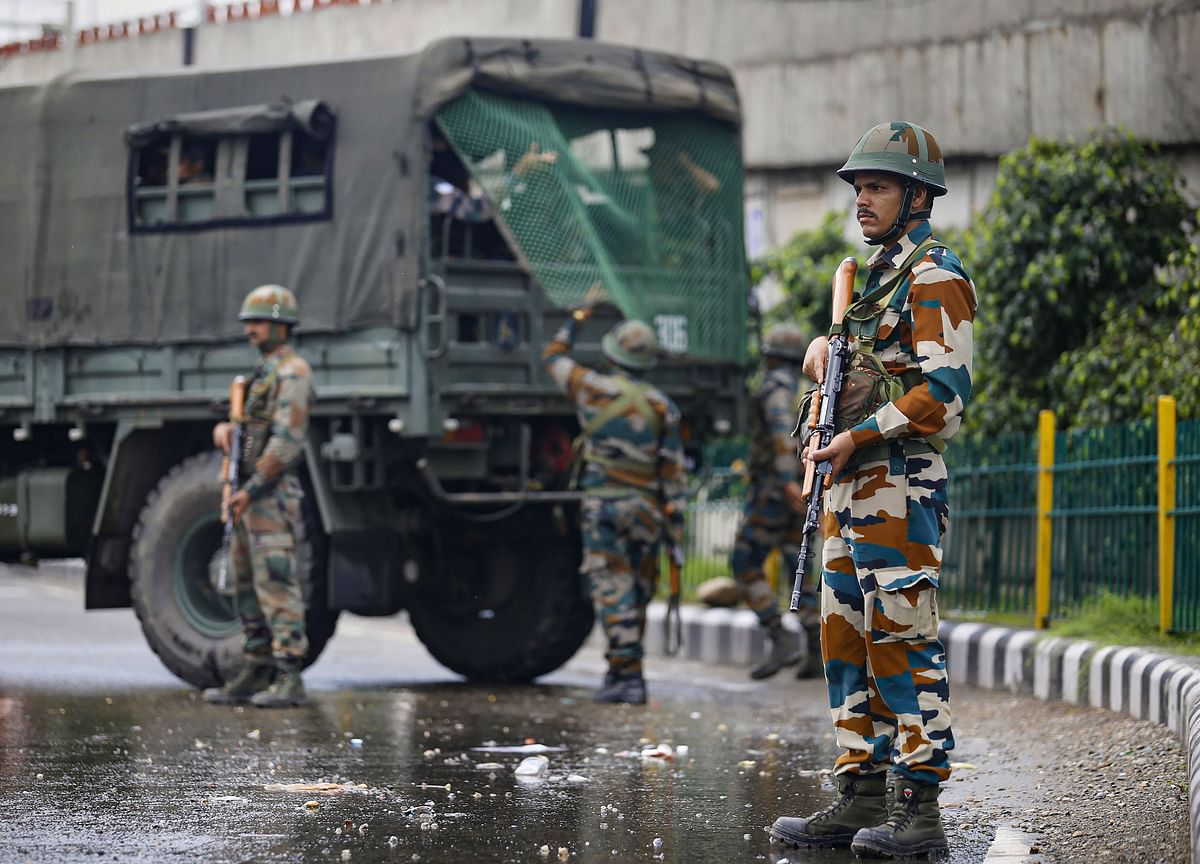 Army On High Alert After India Decides To Revoke Jammu & Kashmir Special Status