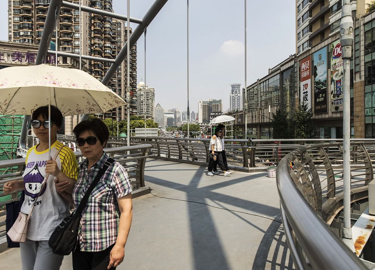 China's Slowdown Deepens in August, Early Indicators Show