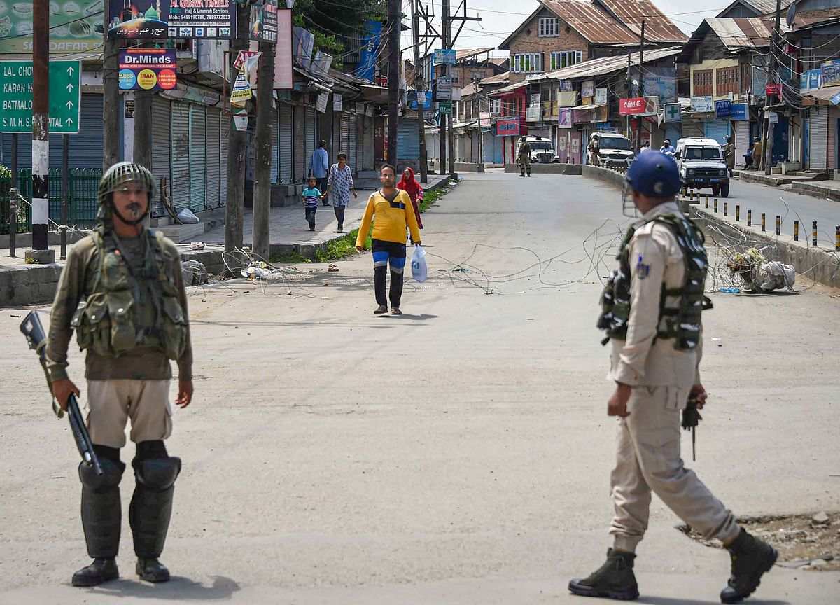India Keeps Kashmir in Lockdown as Anger Grows Across the Valley