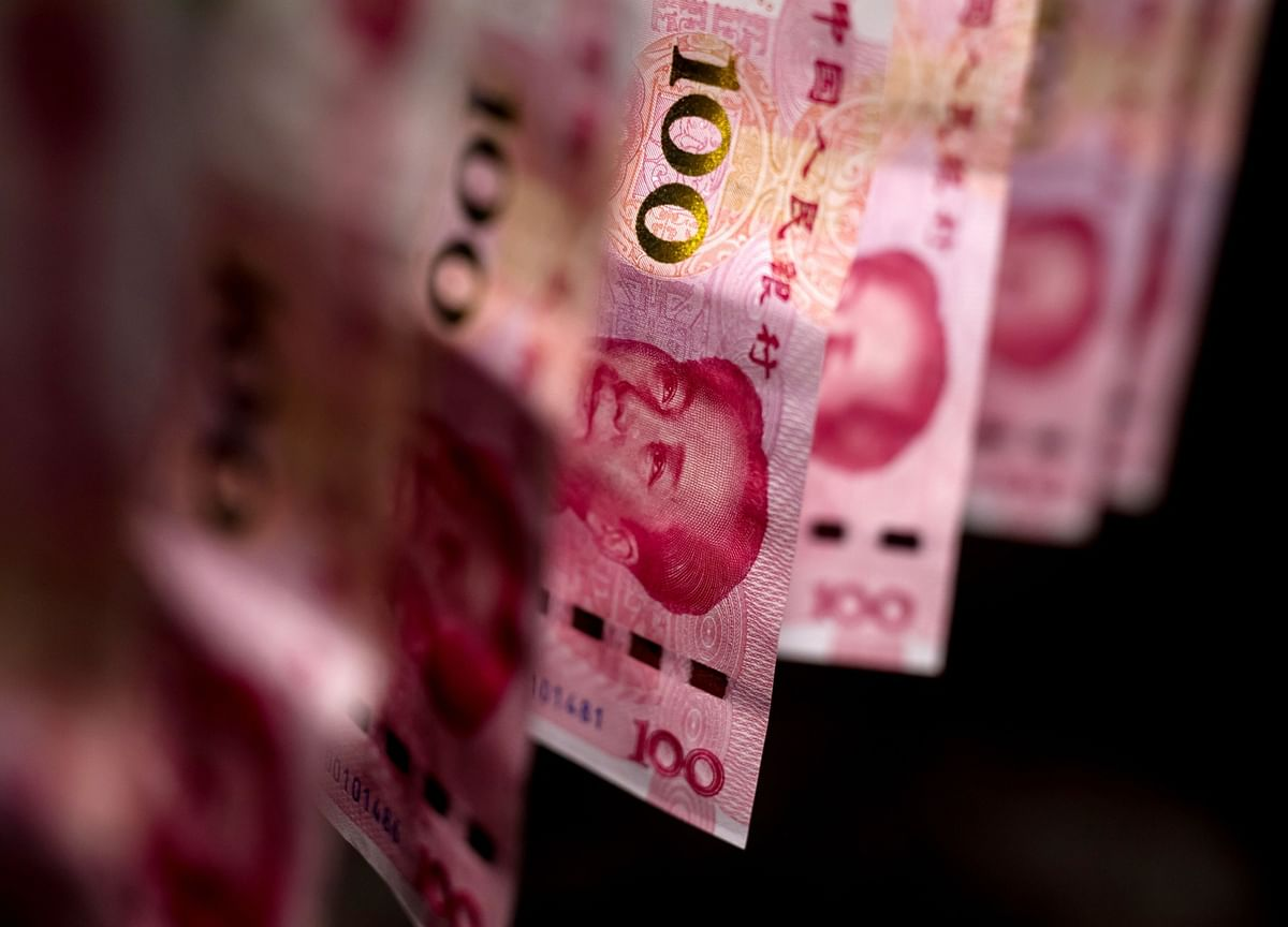 These Charts Show Global Markets Roiled as Yuan Breaches 7 Level