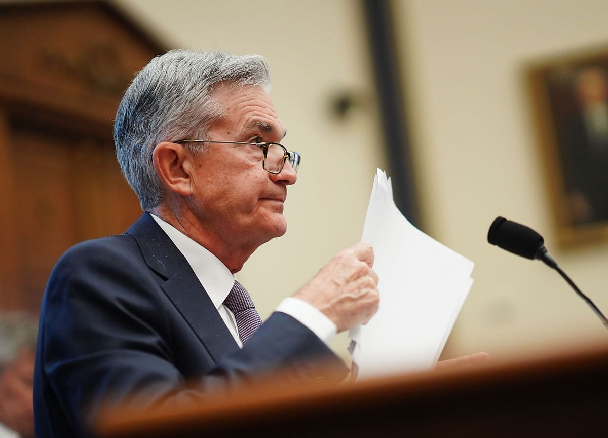 Powell Suggests Fed Embarking on 1990s-Style Mini Easing Cycle