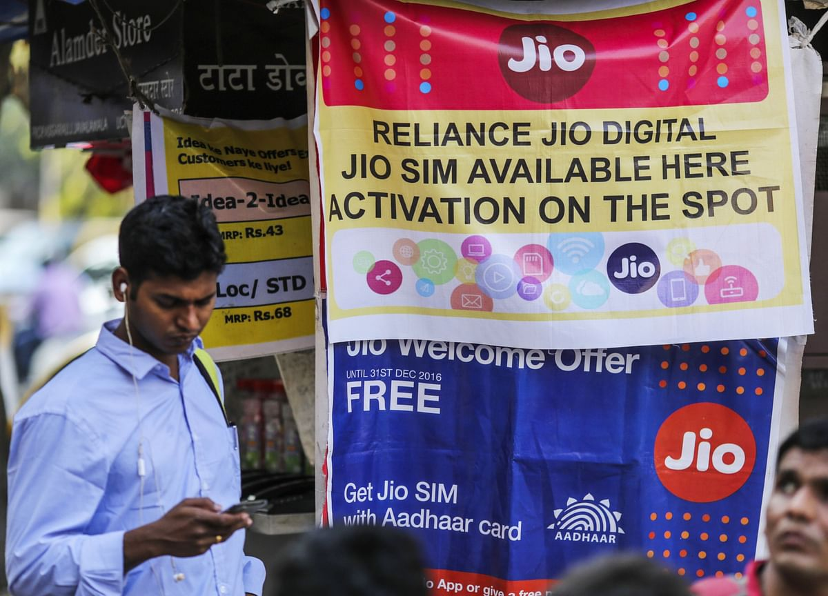 Reliance Jio Market Share May Jump to 45%, India Ratings Says