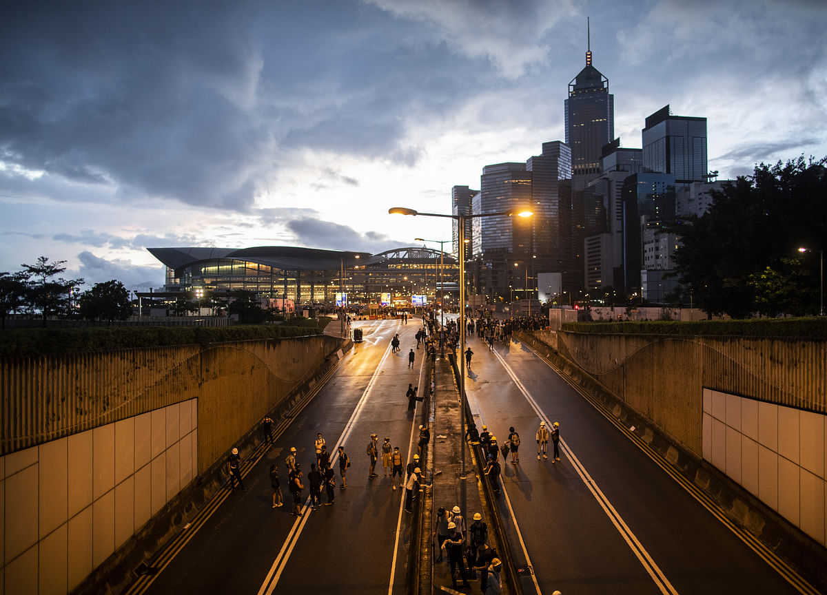 What Hong Kong's 1960s Chaos Could Teach City's Besieged Leaders
