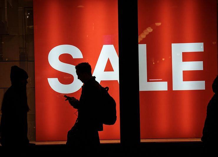 Economic Expectations of U.S. Consumers Slump to Five-Month Low
