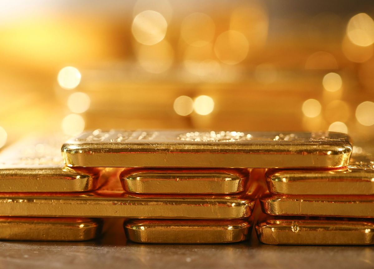 Gold Hits New High Of Rs 38,820; Silver Jumps Rs 1,140