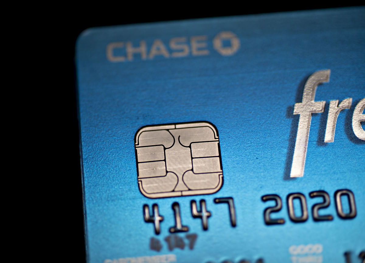 JPMorgan Weighs Sale of $1 Billion AARP Credit-Card Portfolio