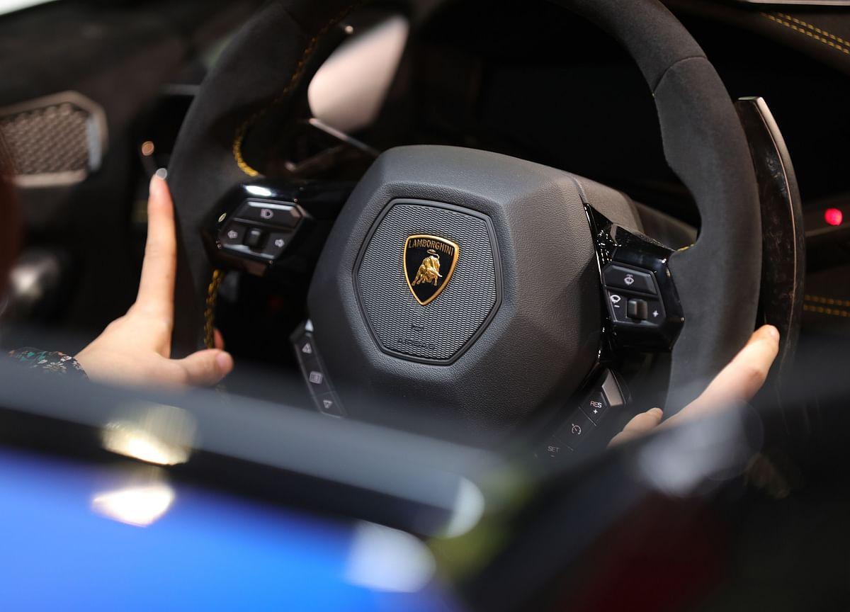 Lamborghini Pulls Into Sight of Ferrari at $11 Billion Value