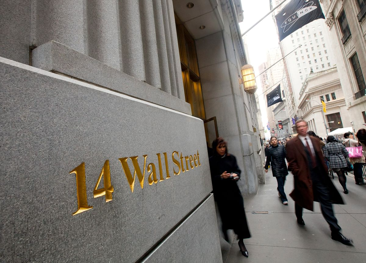 Wall Street Bonuses to Take a Hit From This Year's Trading Slump