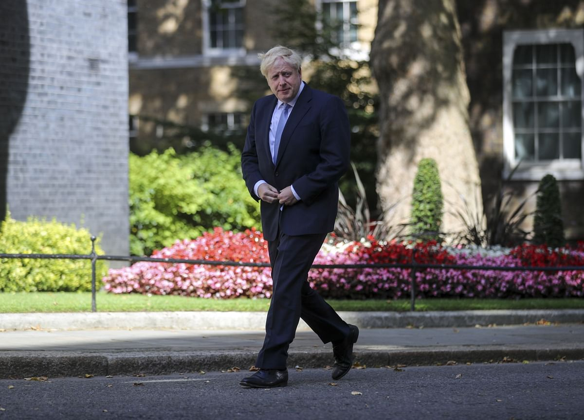 Johnson's Spending Puts U.K. Parties on Alert for Snap Election