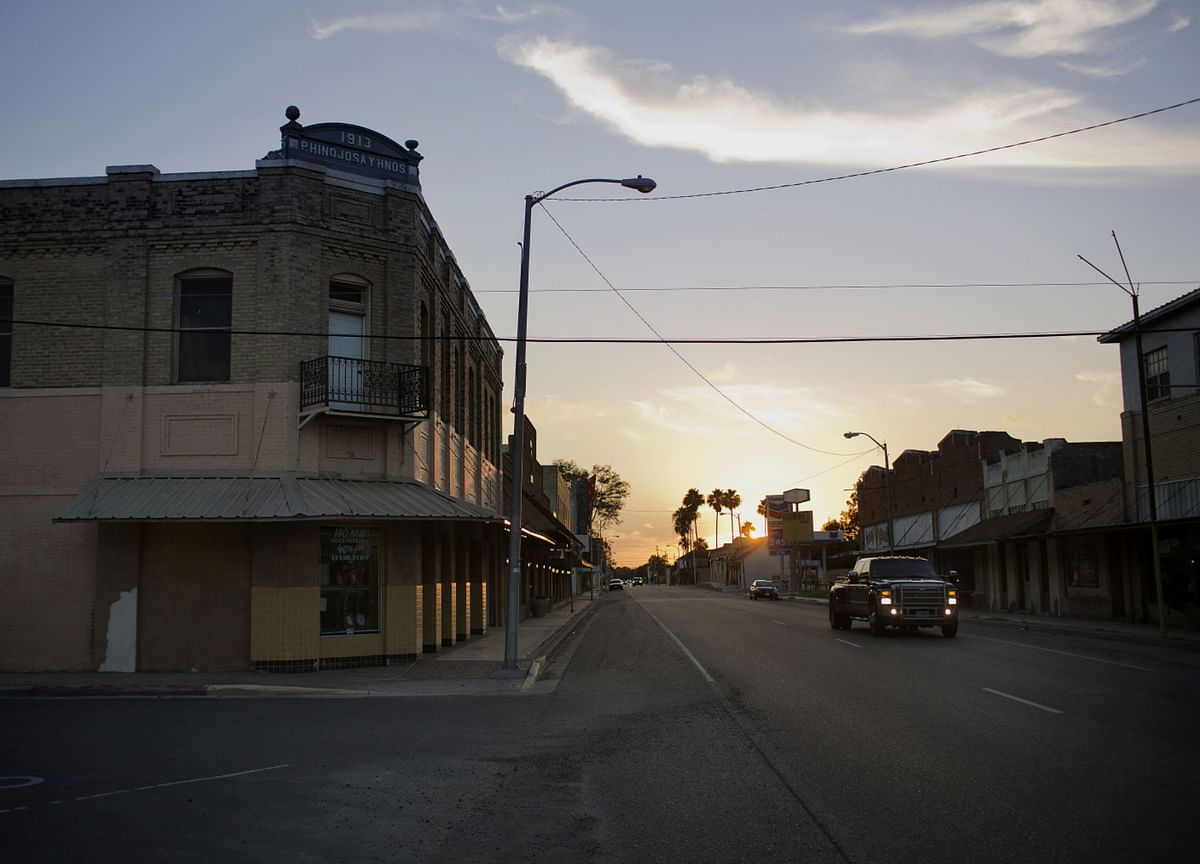 Texas Power Prices Briefly Surpass $9,000 Amid Scorching Heat