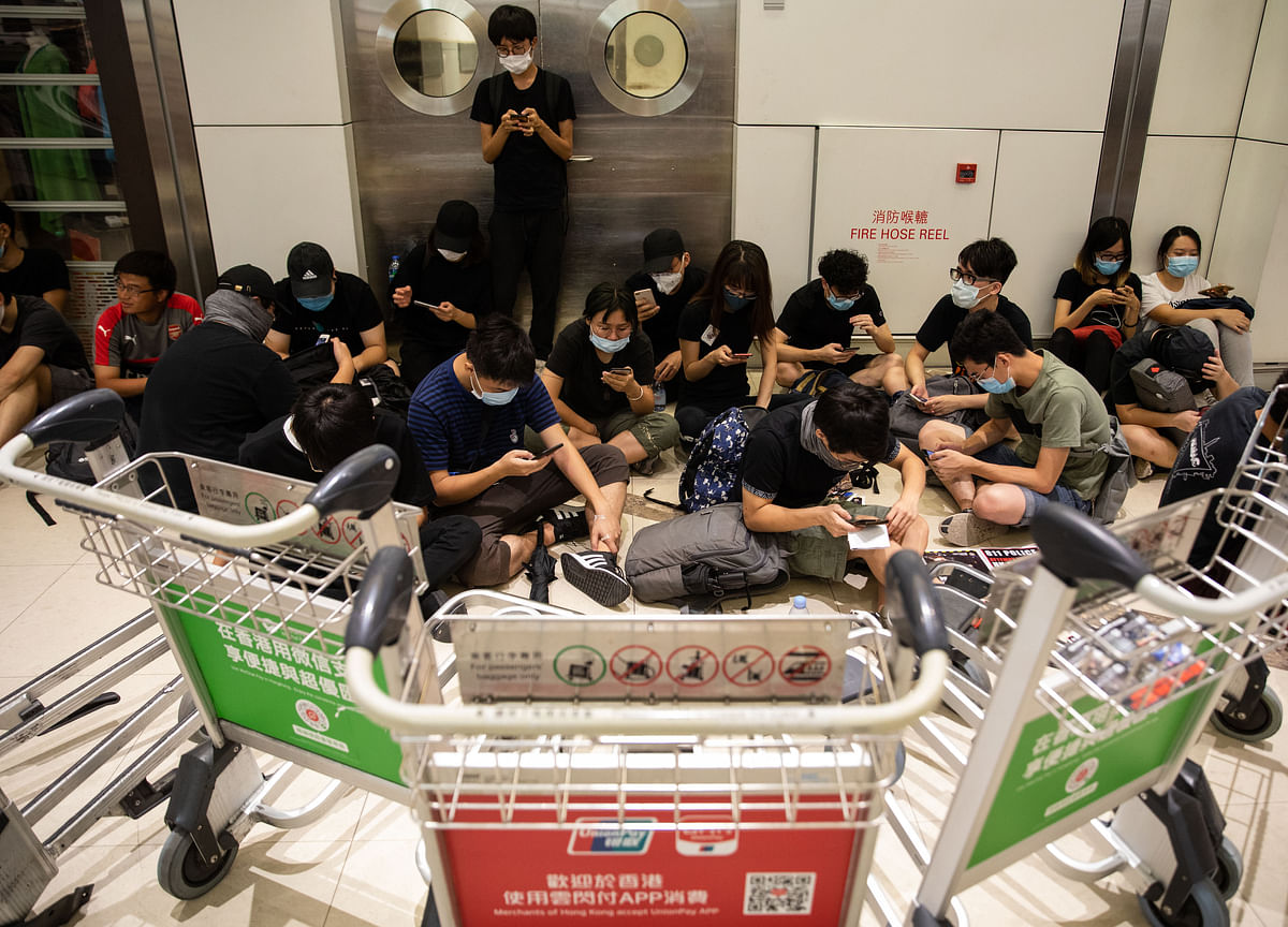 Hong Kong Revises 2Q GDP Growth Down as Protests Hit Activity