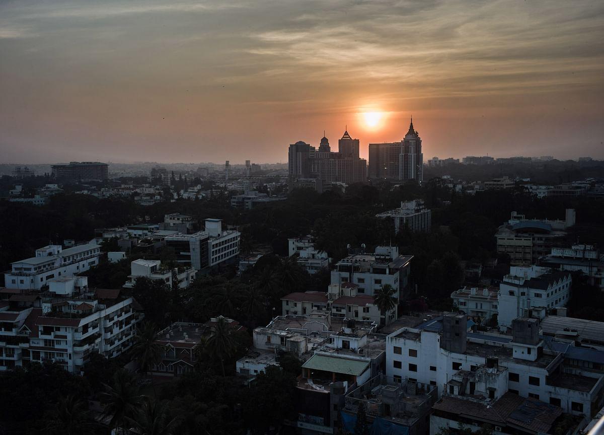Amazon-Ambani Spat Tests India Allure for Foreign Investors