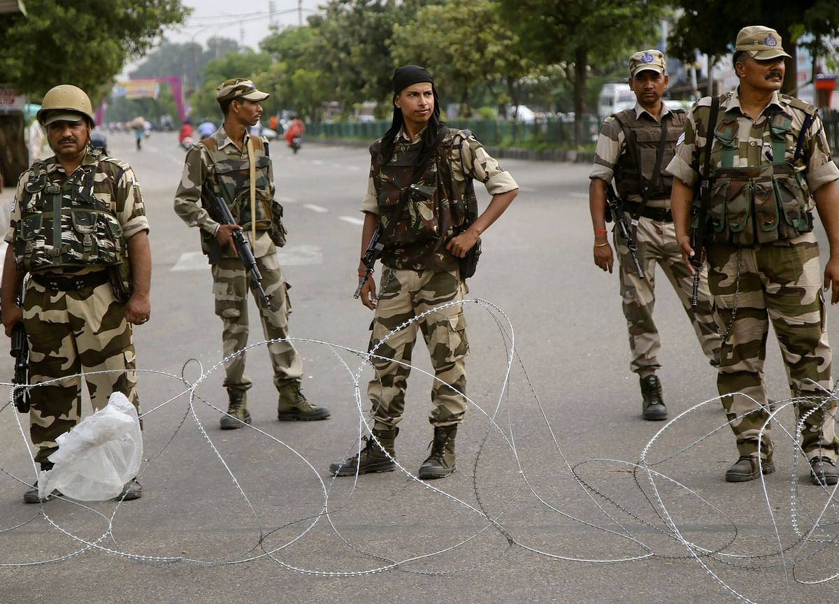 Security Forces On High Alert As 500 Militants Waiting To Sneak Into Kashmir, Sources Say