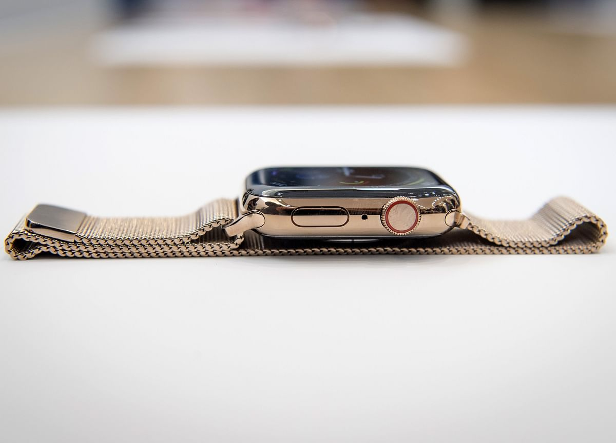 Apple Warns of Cracked Watch Screens and Offers Free Fixes