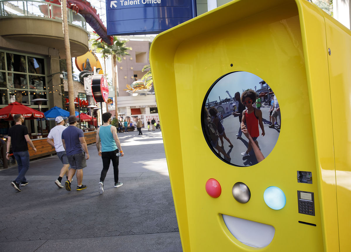 Snap Unveils a New Version of Video-Recording Spectacles