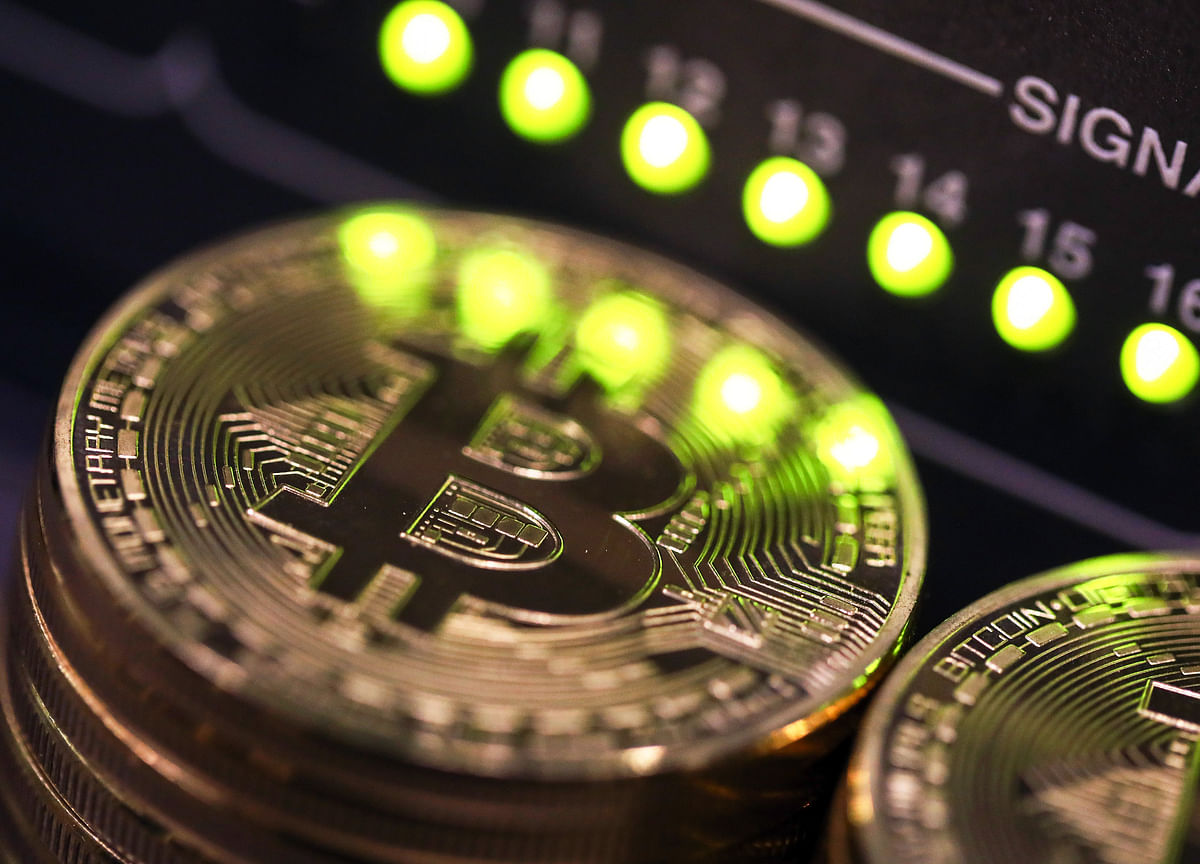 Bitcoin Heads for $29,000 in Biggest Monthly Gain Since 2019