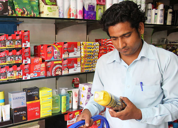 Indians Brace for High Inflation as They Curb Spending