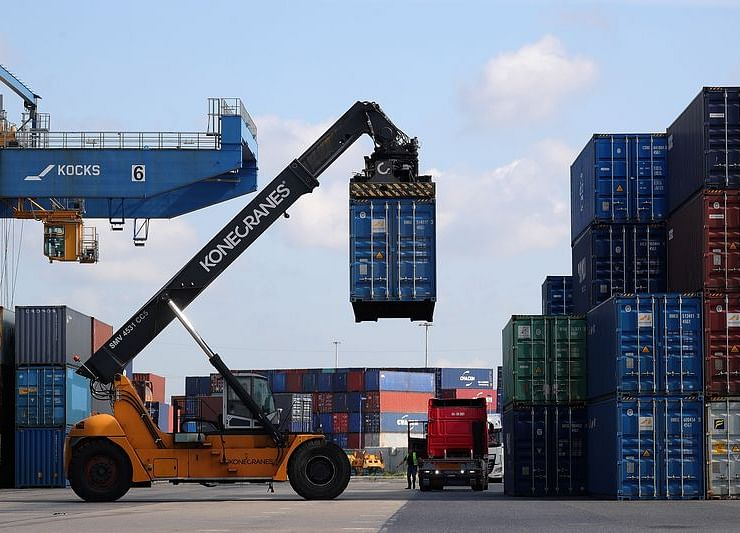 German Trade Surplus Widens as Exports Unexpectedly Increase