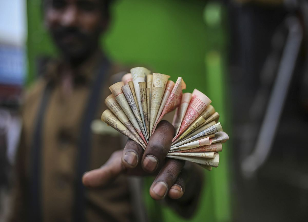 Rupee Falls To 1-Year Low Against U.S. Dollar