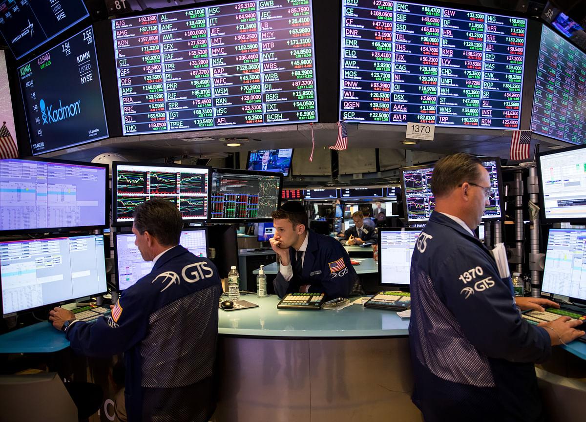 Stocks Drop on Trade, Political Drama; Bonds Rise: Markets Wrap